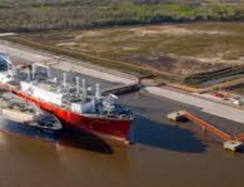 El puerto regasificador y la caída de producción de gas