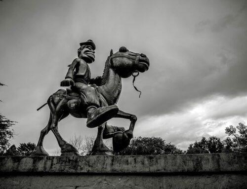 Proponen restaurar monumento de Molina Campos